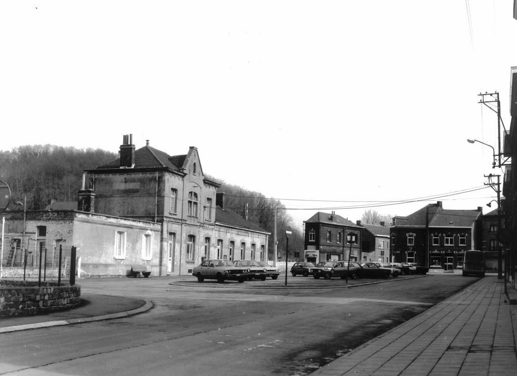 Les gares belges d 39 autrefois la gare de fl nu produits for Garage de la gare bretigny